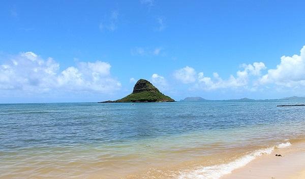 Mokolii Rock from Kualoa Point