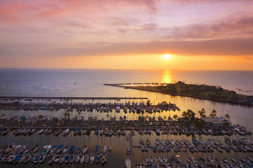 10 Best Hotels in Waikiki 2021