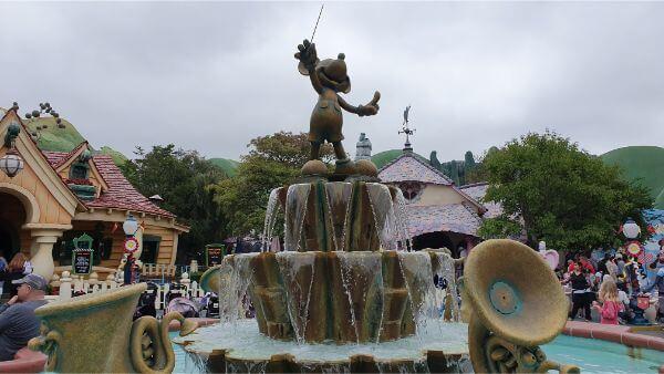 Mickeys Toon Town