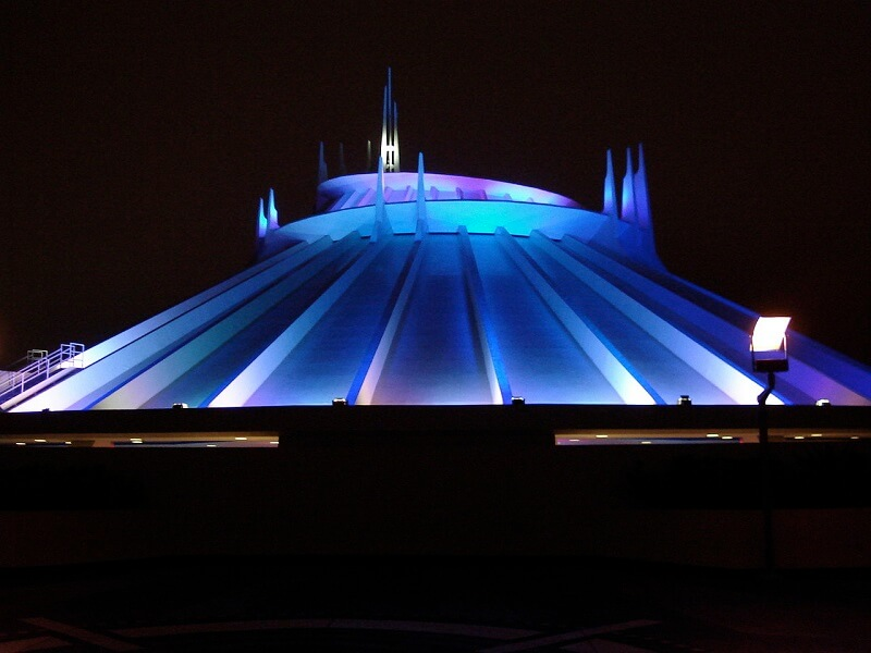 Space Mountain Review - Disneyland California