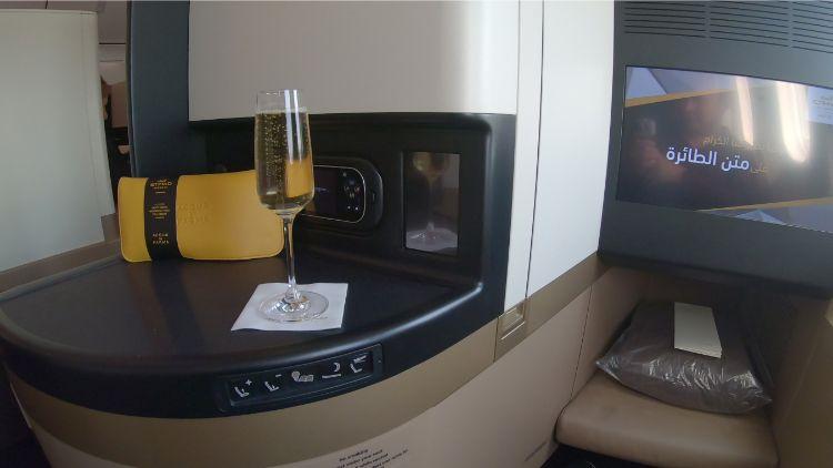 Etihad Business Class Review - 787-9 Dreamliner