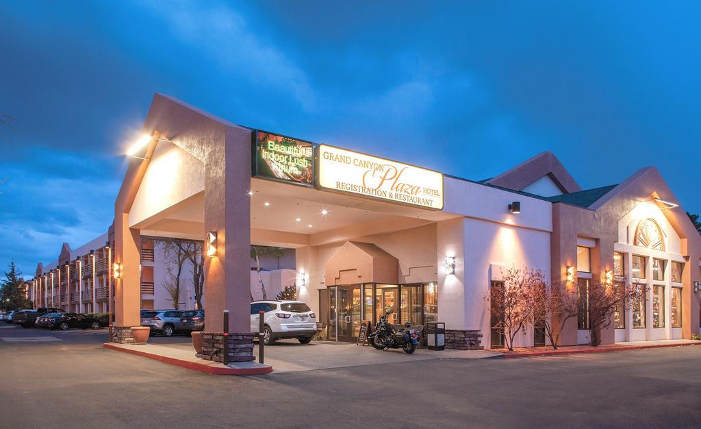 Canyon Plaza Hotel