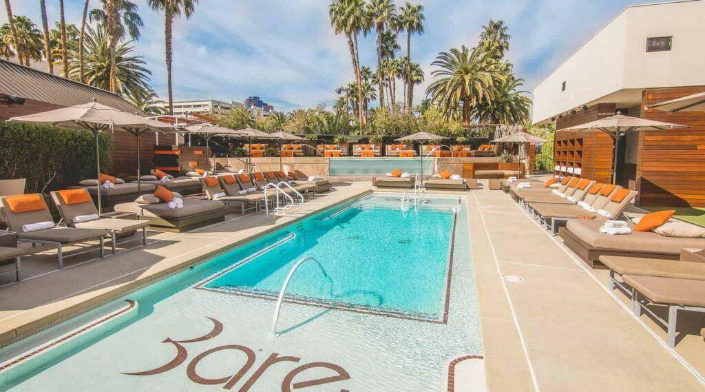mirage nightlife bare pool