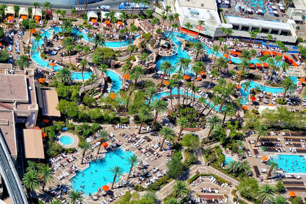 MGM Grand Pool Review